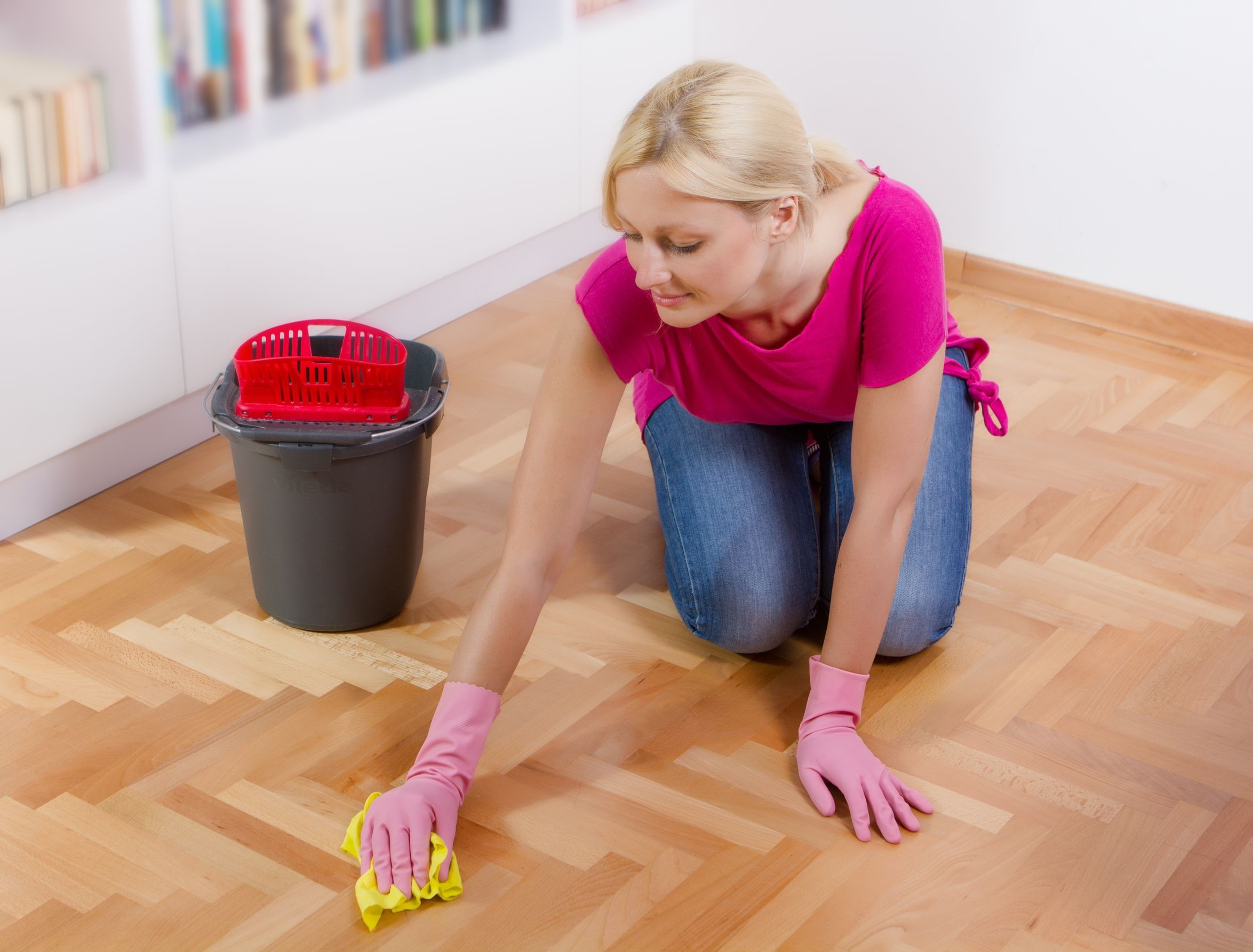 Dos and donts of diy wood floor cleaning diy wood floor cleaning solutioingenieria Gallery