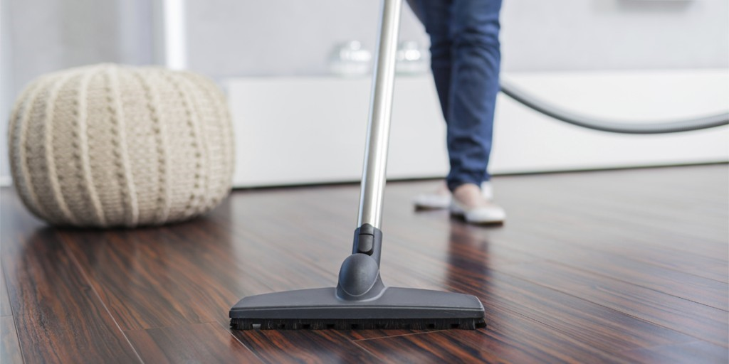Dos and donts of diy wood floor cleaning make use of electric broom or a vacuum cleaner solutioingenieria Gallery